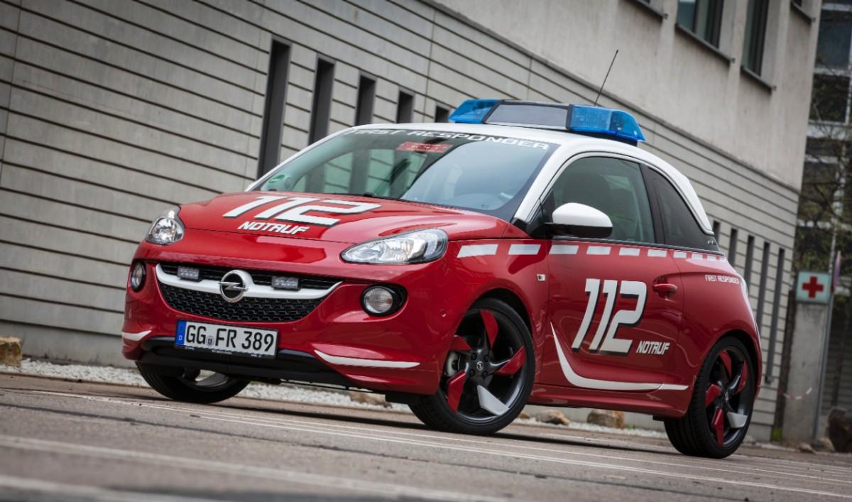Adam F 252 R Die Feuerwehr Opel Auf Der Rettmobil 2013 Auto